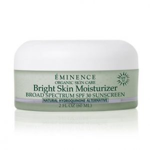 A rich and nourishing moisturizer with SPF 30 for uneven complexions.